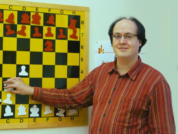 Mario Ziegler am Demobrett